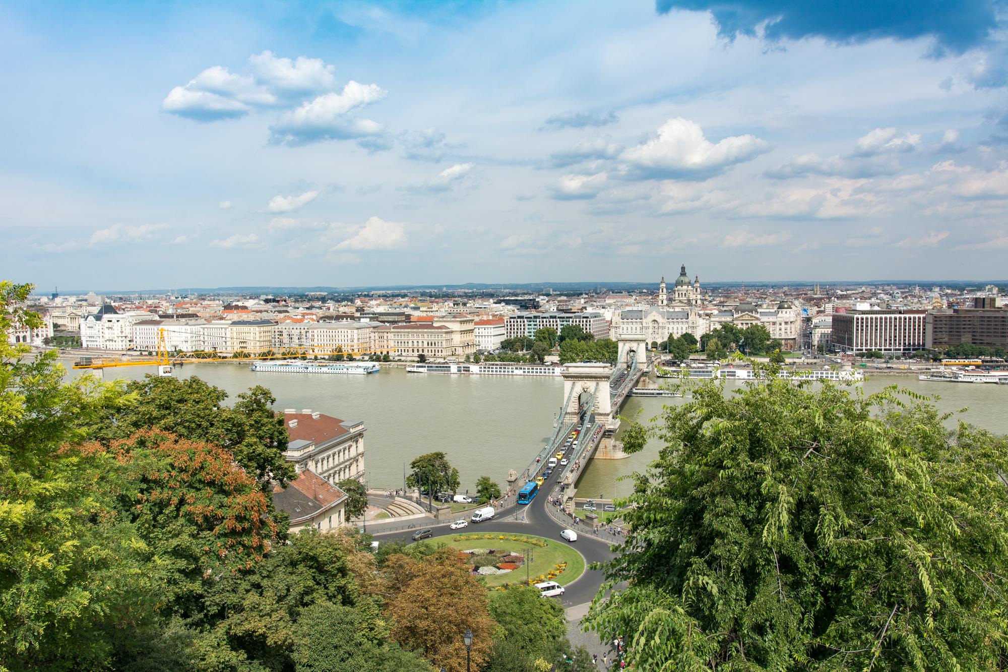 Budapest von der Burg aus - Blick über die Donau und die Stadt