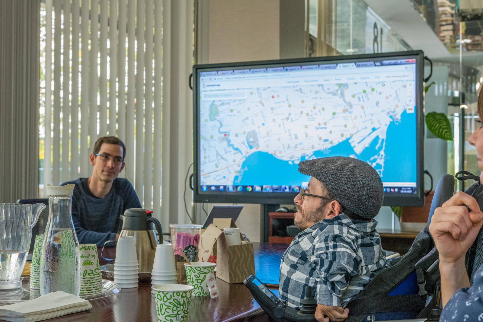 Wir stellten die Wheelmap als Crowdsourcing-Lösung bei der City of Toronto vor...