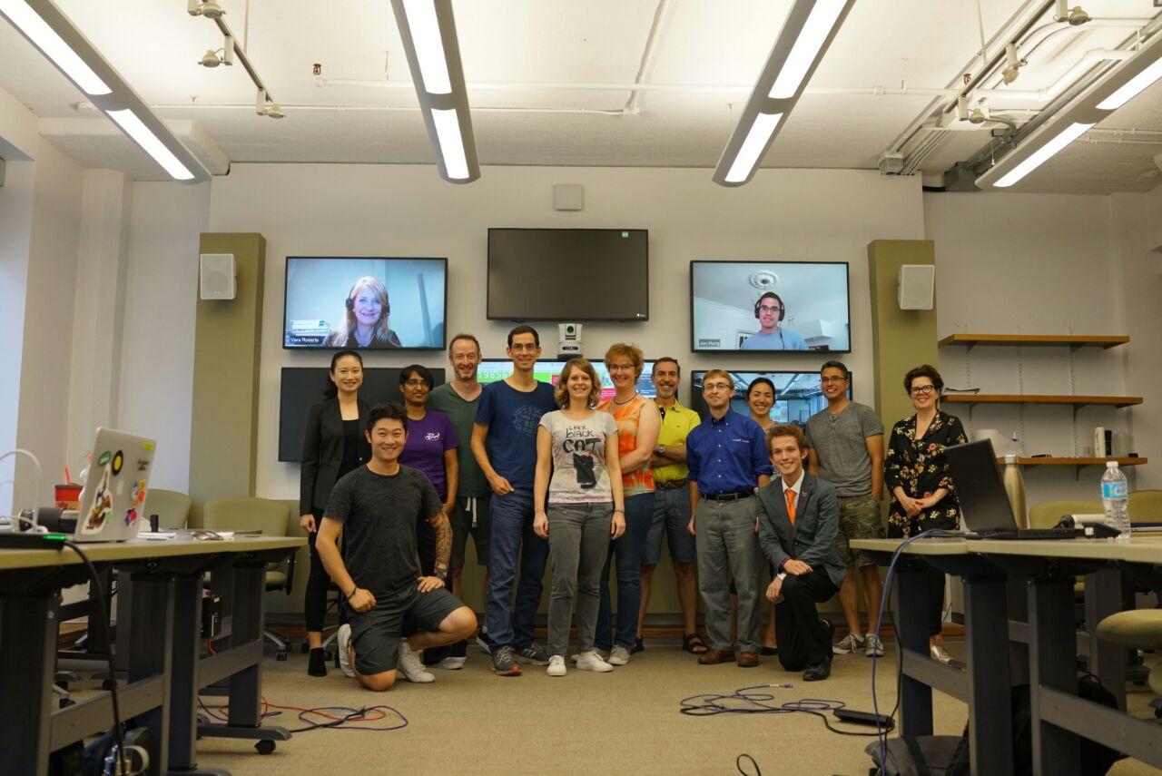 ... und sprachen mit Studierenden des Fachbereichs Inclusive Design und einem Vetreter von ESRI darüber, wie wir die Mapping-Tools nutzen können.