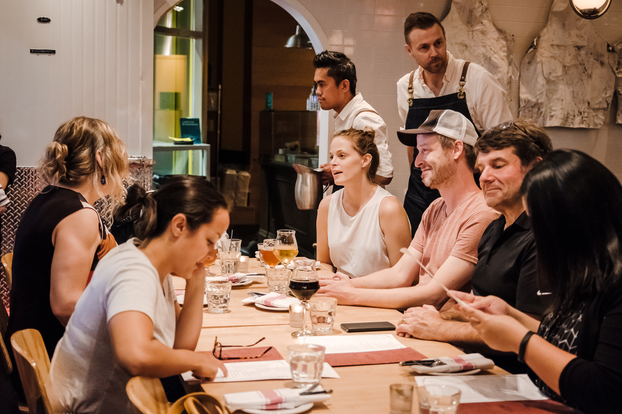 Im Anschluss trafen sich alle zum gemütlichen Zusammensein bei Essen und Trinken.